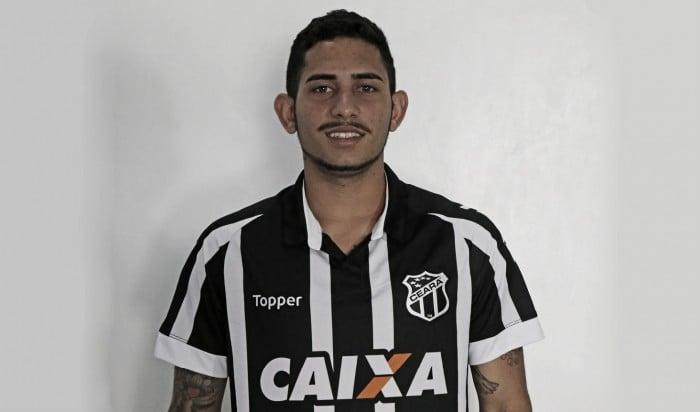 Ceará contrata atacante Leandro Carvalho por empréstimo junto ao Paysandu