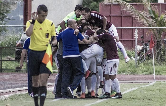 Carabobo goleó a Metropolitanos y escaló a la punta de la tabla