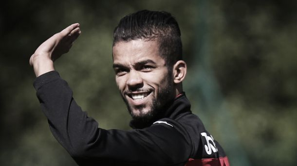 Mehdi Carcela no Benfica: primor técnico para mitigar ausência de Salvio