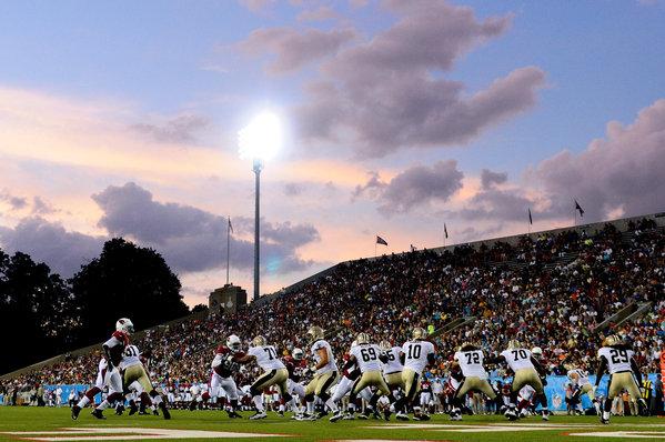 Los Saints se llevan el juego del Salón de la Fama 2012 ante Arizona