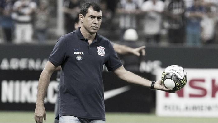 Carille comemora empate contra São Paulo, elogia substitutos e cita má fase de Jadson