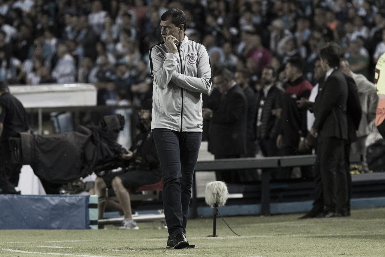 """Após classificação nos pênaltis, Carille exalta: """"Meu time foi mais determinado"""""""