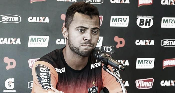 Rafael Carioca pede atenção na defesa e concentração no clássico contra Cruzeiro