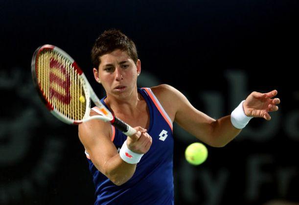Carla Suárez derrota a Kvitova en tres mangas y accede a cuartos de final