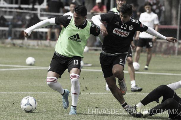 Carlos Salcedo se mantiene enfocado en Pachuca
