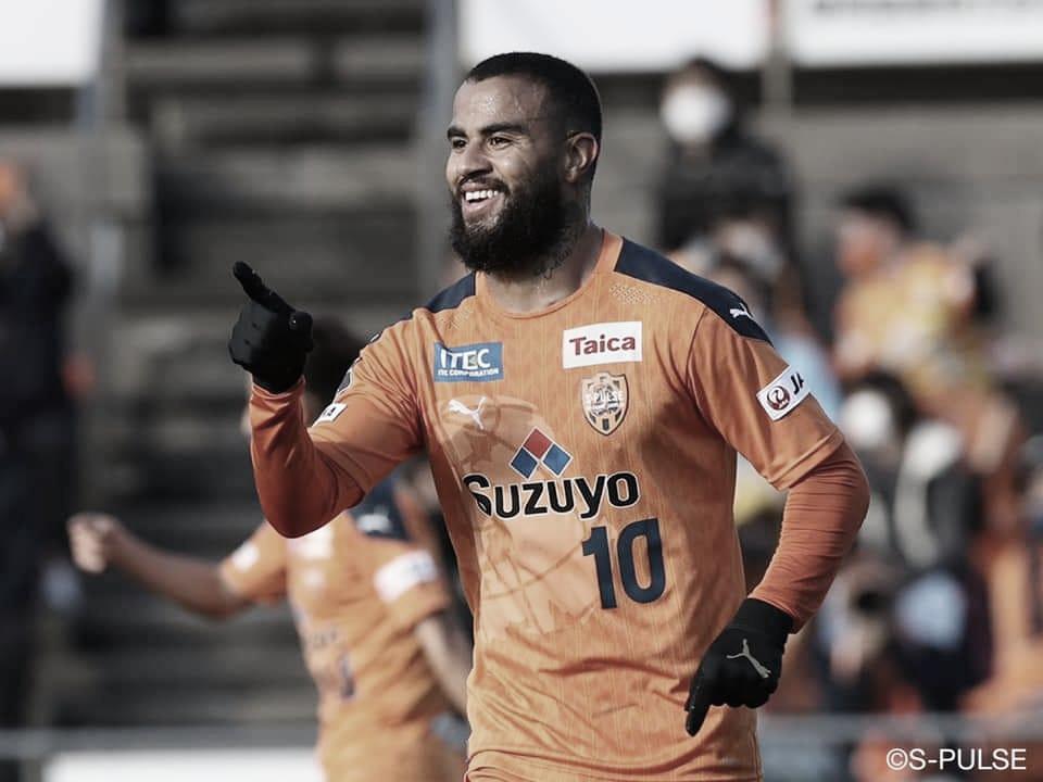 Carlinhos comemora recuperação do Shimizu S-Pulse e espera evolução no Campeonato Japonês