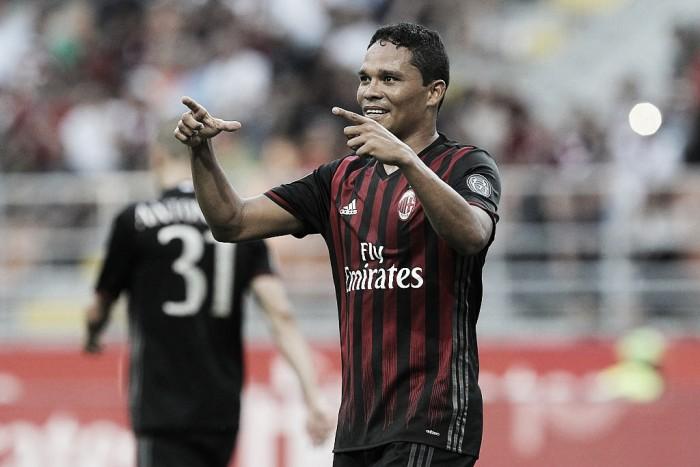 Bacca cumpre promessa após marcar três gols em vitória do Milan e é elogiado por Montella
