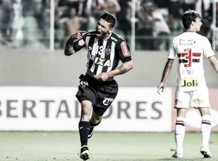 Atlético-MG se aproxima de venda do atacante Carlos ao Zenit