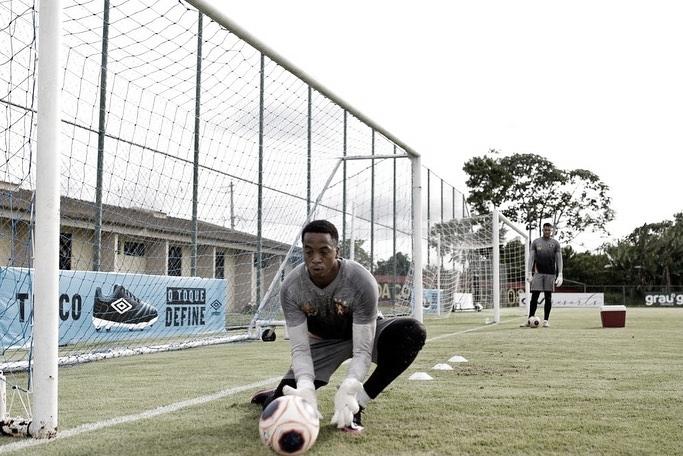 Em fase final de recuperação após cirurgia, Carlos Eduardo projeta boa campanha do Sport no Brasileiro