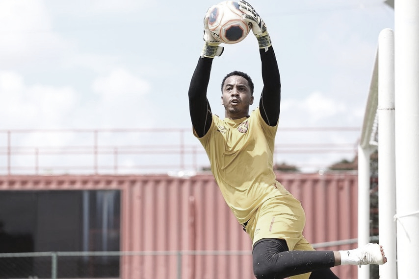 Agora no Sport, goleiro Carlos Eduardo visa manter boas atuações da temporada anterior