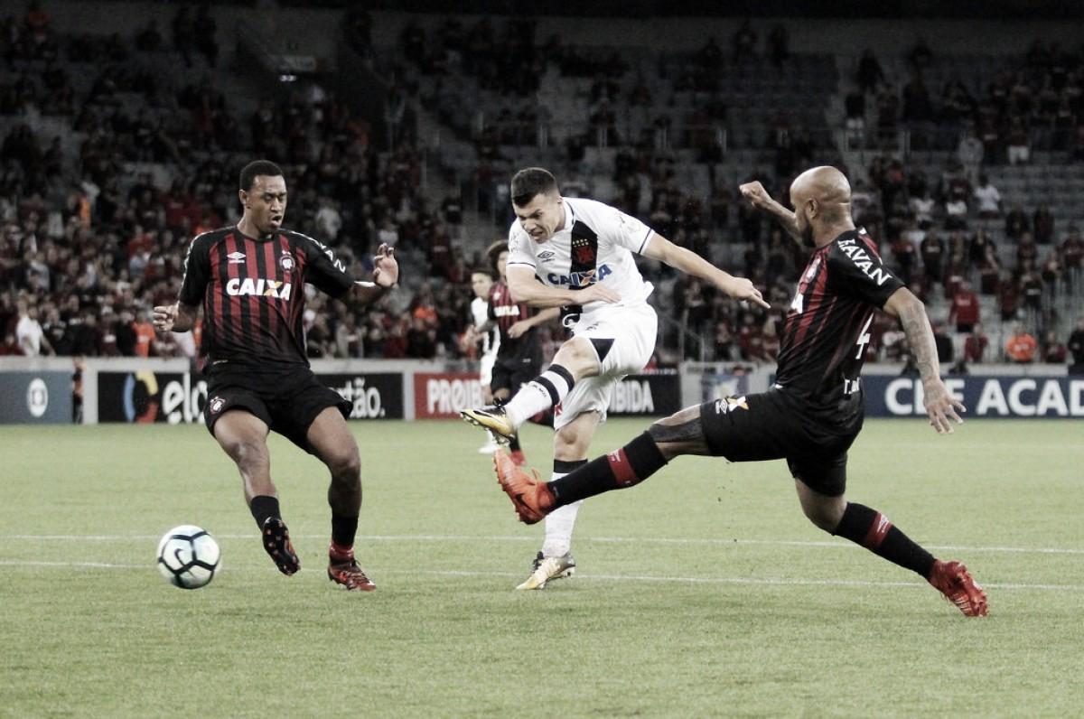 Atlético-PR e Vasco se enfrentam buscando distância da zona de rebaixamento