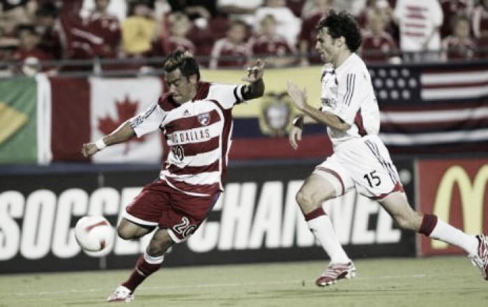 FC Dallas signs Carlos Ruiz