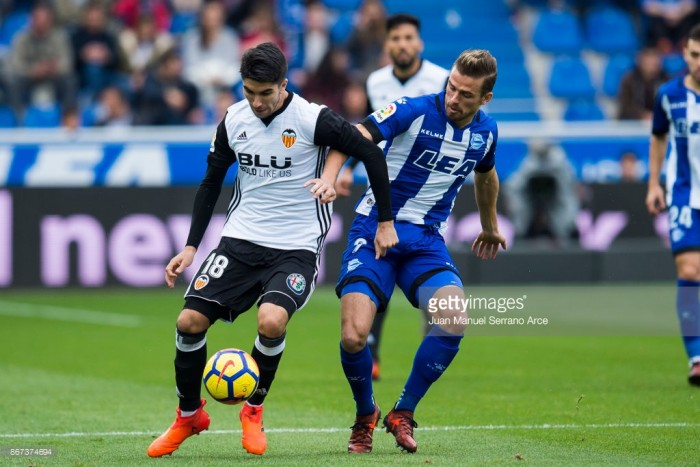 Carlos Soler refuses to be drawn into speculation about Manchester United move