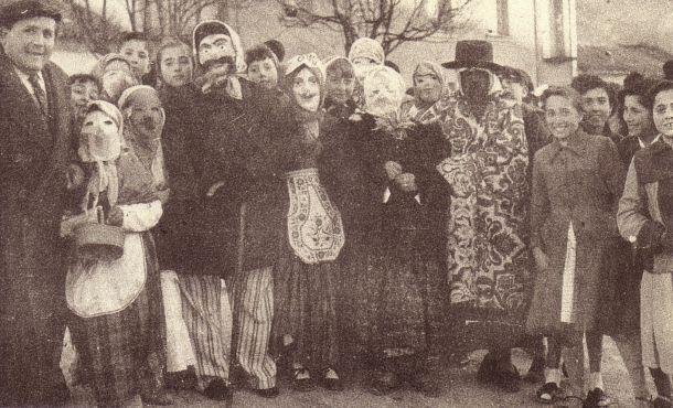 Máscaras callejeras del carnaval de Herencia. Mediados del siglo XX