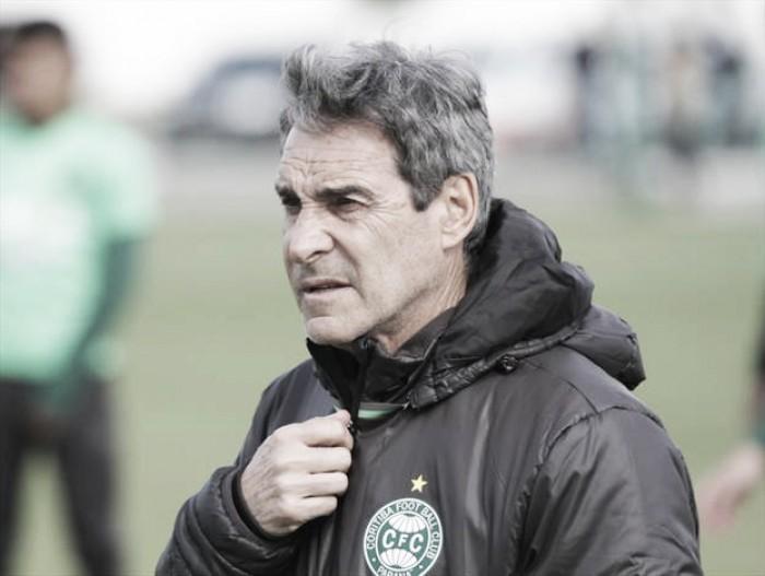 """Carpegiani enaltece ponto conquistado contra Botafogo: """"Vale pelo todo"""""""