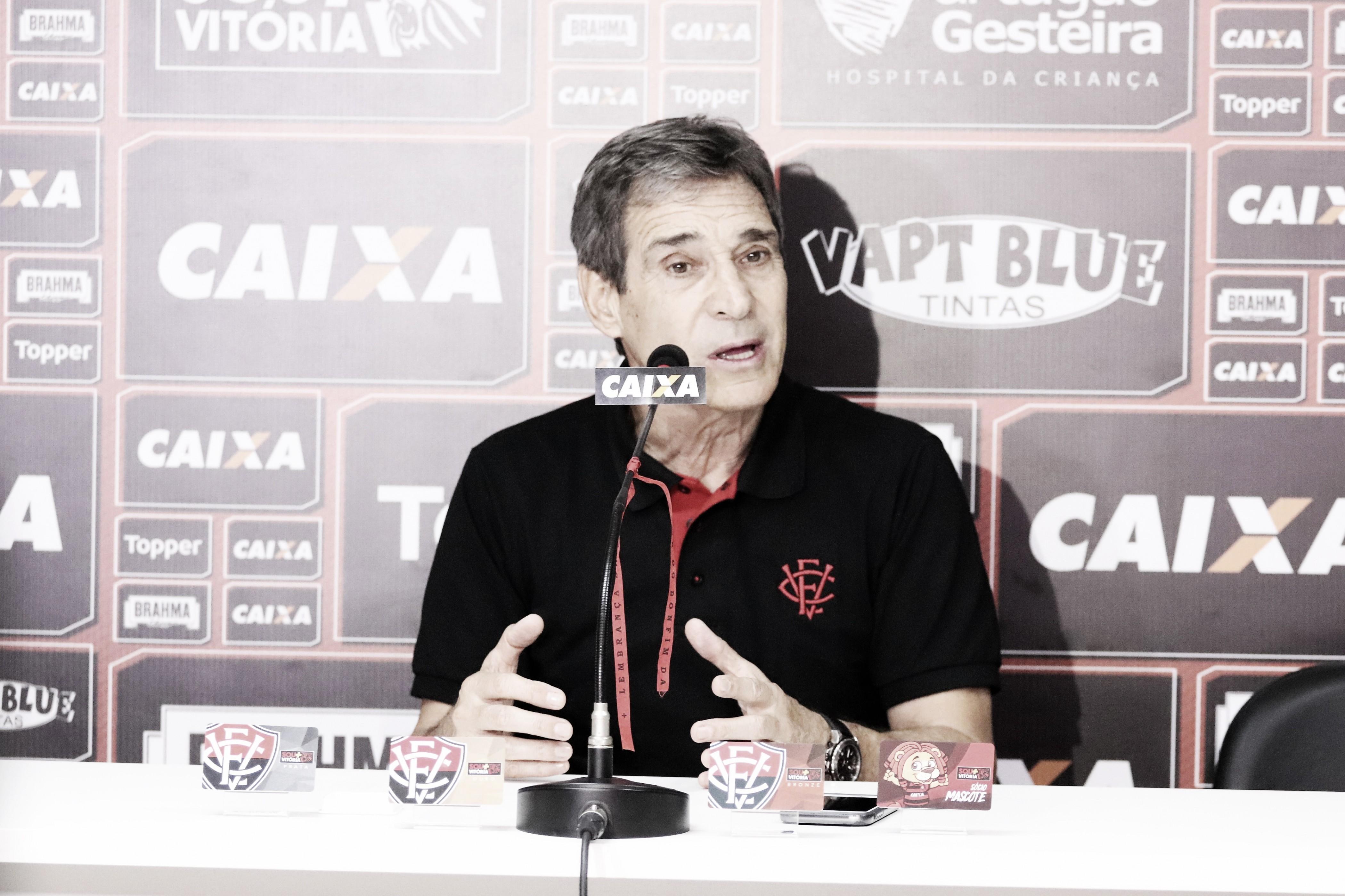 Carpegiani elogia equipe do Vitória, mas critica postura na reta final contra o Vasco