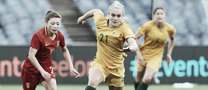 Ellie Carpenter officially signs with Portland Thorns FC