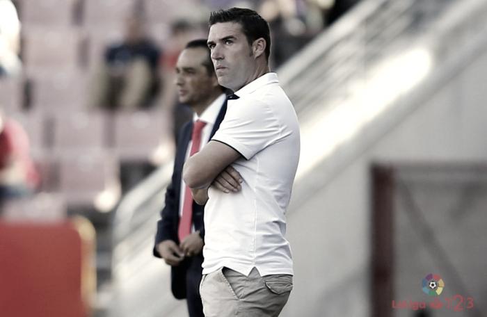 """Luis Carrión: """"El Huesca es un rival complicado pero se les puede hacer daño"""""""