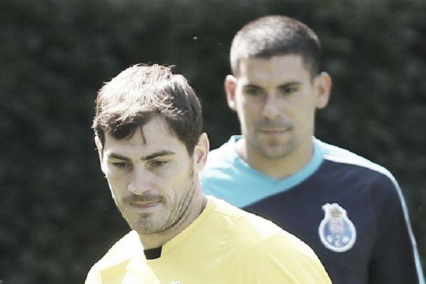Porto x Benfica: Casillas em estreia e Maxi Pereira em 'versão Dragão'