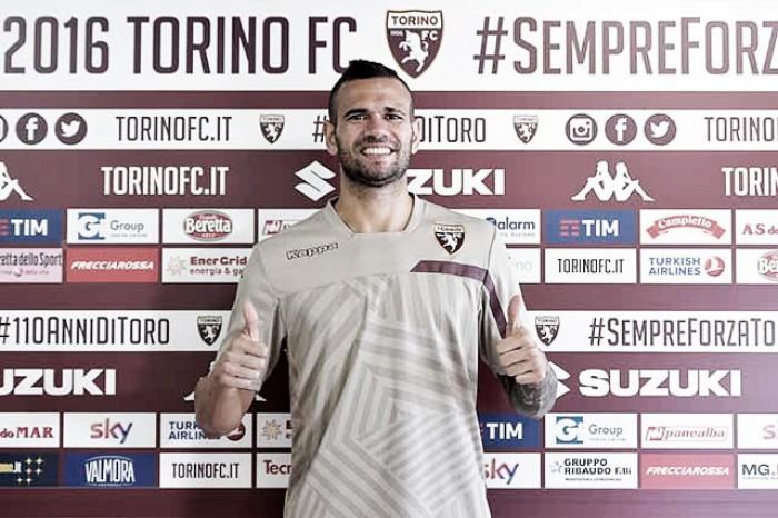 Zagueiro Leandro Castán deixa a Sampdoria e é anunciado pelo Torino