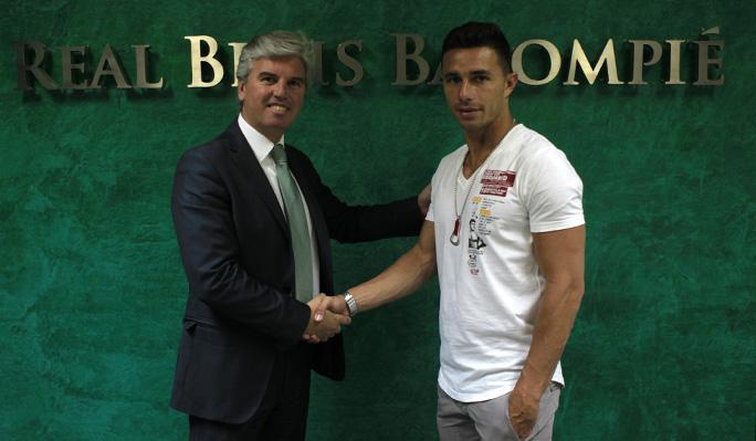 Rubén Castro prolonga su contrato con el Betis hasta 2015