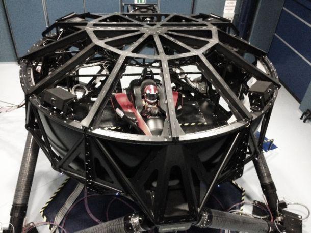 Penske completa bateria de testes no simulador na sede da Dallara