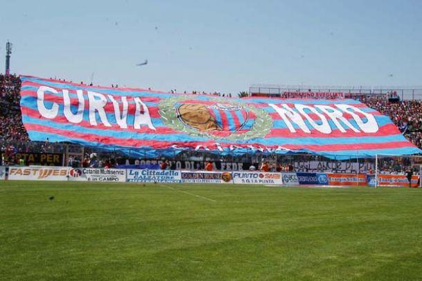Caos Catania, il sindaco risponde alle accuse di Ferrero