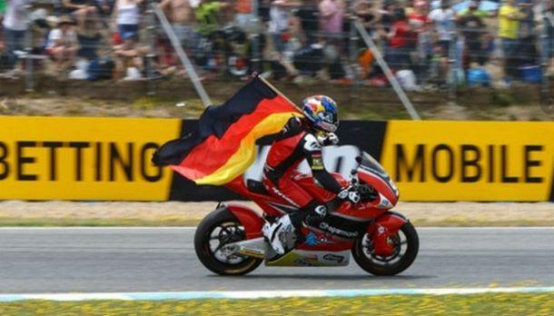 Jonas Folger vence com tranquilidade em Jerez pela Moto2