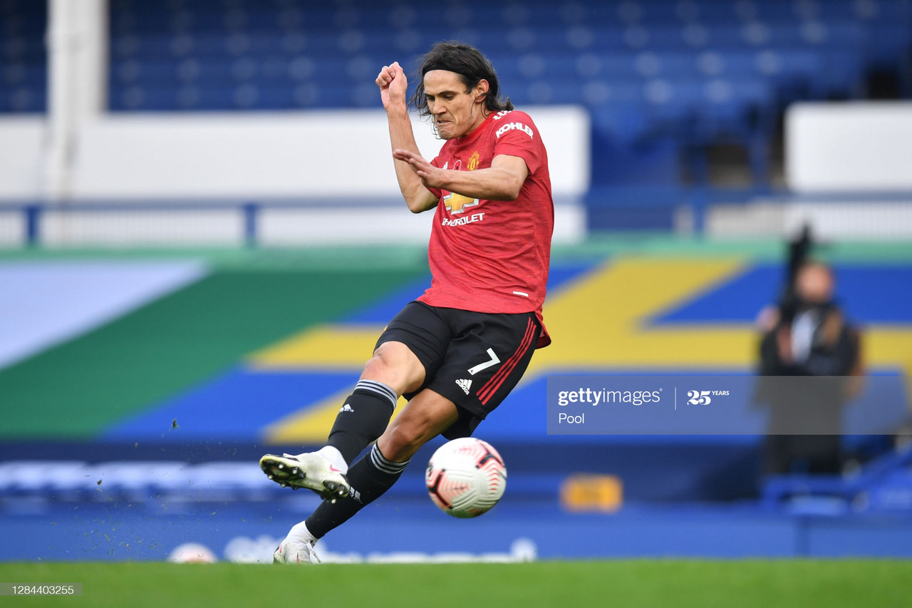 LIVERPOOL, ENGLAND - NOVEMBER 07: Edinson Cavani of Manchester United scores his team's third goal during the Premier League match between Everton and Manchester United at Goodison Park on November 07, 2020 in Liverpool, England. Sporting stadiums around the UK remain under strict restrictions due to the Coronavirus Pandemic as Government social distancing laws prohibit fans inside venues resulting in games being played behind closed doors. (Photo by Paul Ellis - Pool/Getty Images)