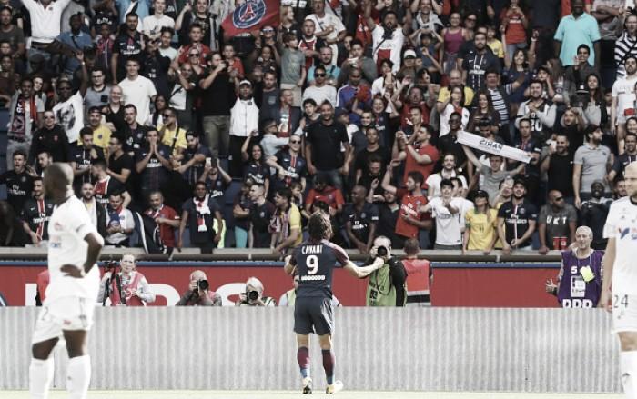 Neymar é ovacionado, PSG supera retranca do Amiens e vence na estreia