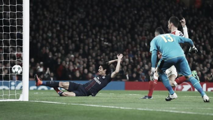 Empate afortunado entre Arsenal y PSG