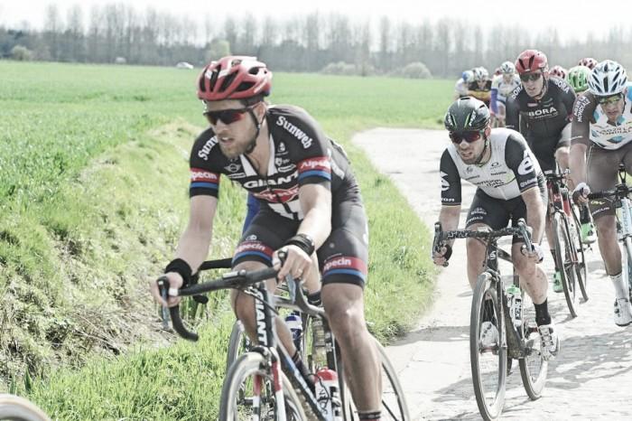 Mark Cavendish felt he could have done more to help Edvald Boasson-Hagen at Paris-Roubaix