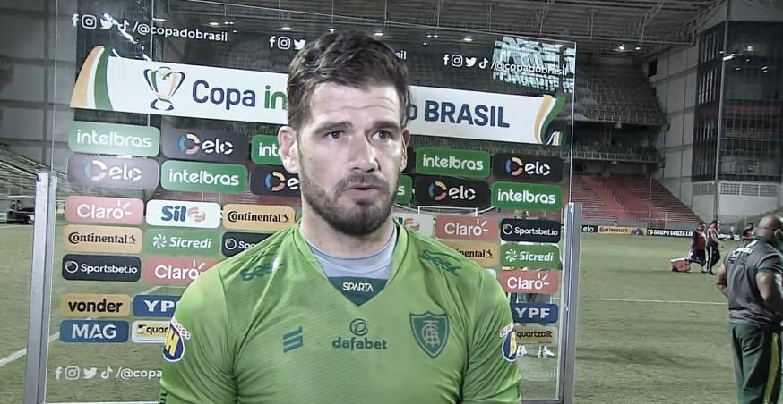 Após falha contra o Ferroviário, Cavichioli fala em dever cumprido do América-MG na Copa do Brasil