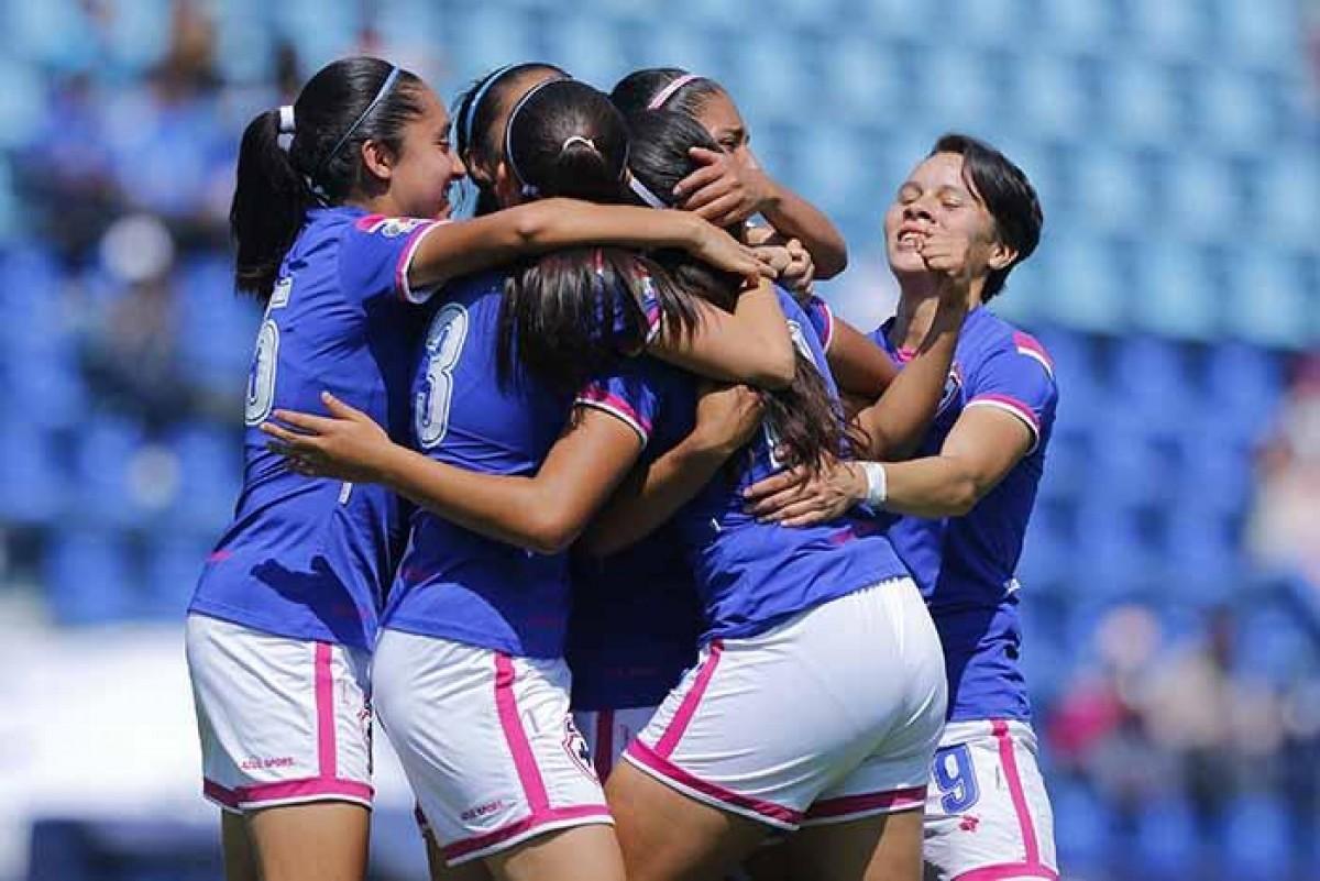 Cruz Azul se lleva su último partido en el Estadio Azul