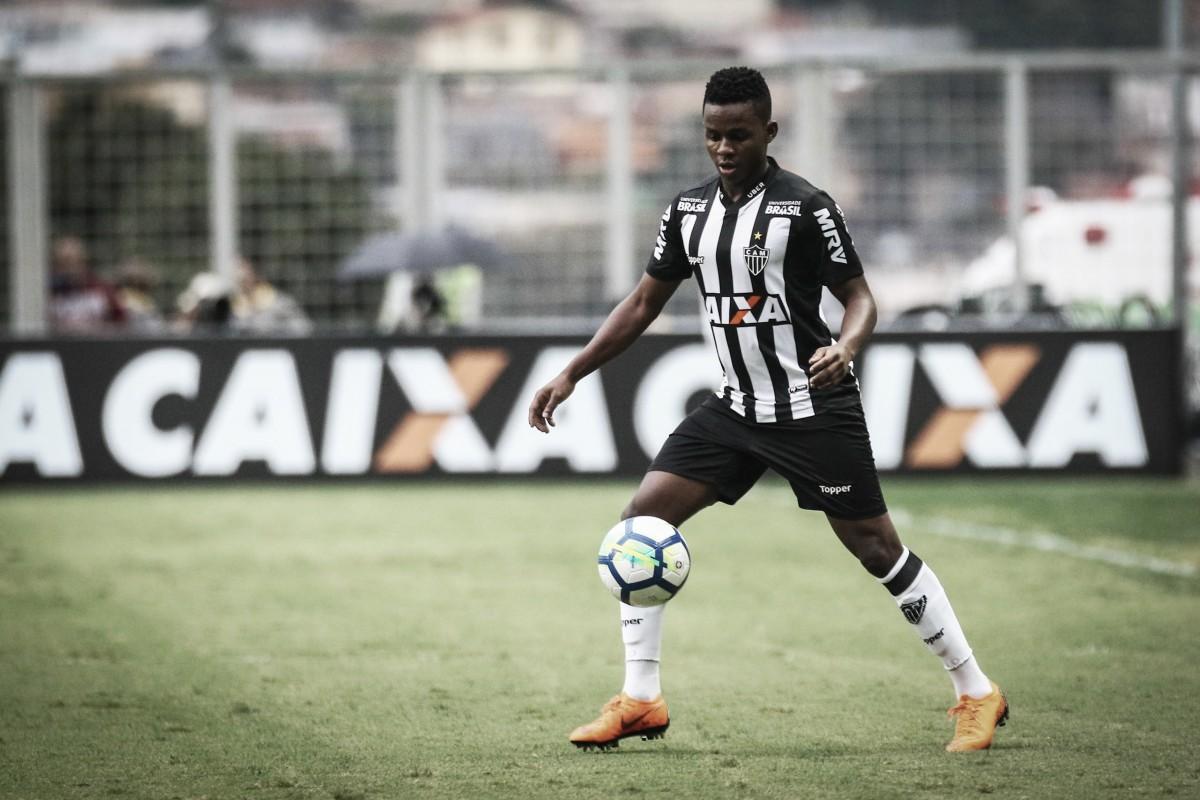 Cazares não participa de jogo-treino e pode deixar o Atlético-MG