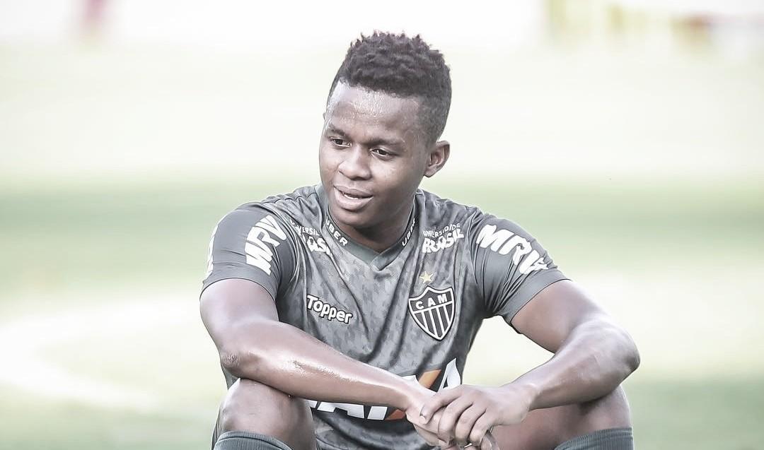 Em clima pesado com Atlético-MG, Cazares pode pintar no futebol paulista