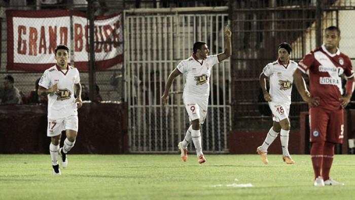 Previa Argentinos Juniors - Huracán: un duelo de extremos