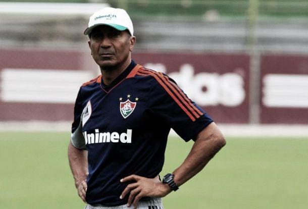 Cristóvão Borges detona 'pobreza' da imprensa e afirma: ''Fluminense joga futebol brasileiro''