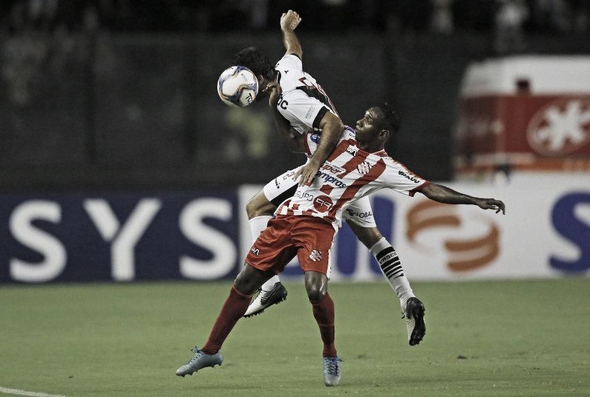 Vasco toma virada do Bangu e depende de resultados alheios para avançar na Taça Rio
