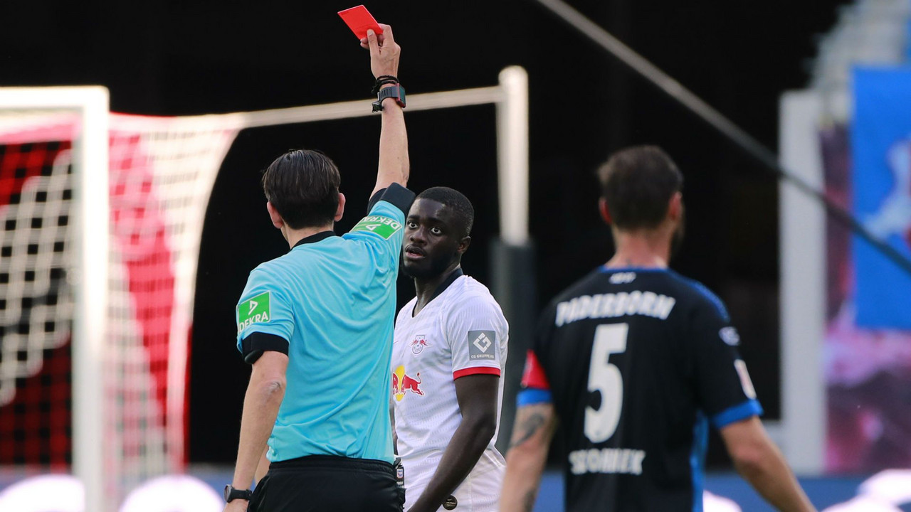 10 Man RB Leipzig Blow Lead Late To Paderborn