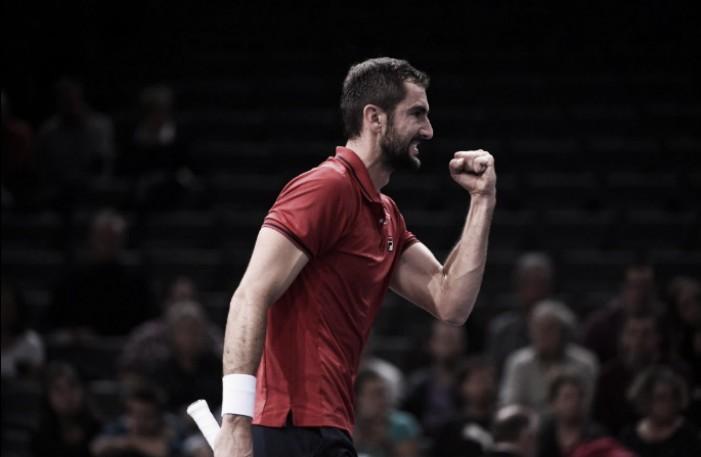 Cilic elimina Djokovic em Paris e deixa Murray a duas vitórias do número um mundial