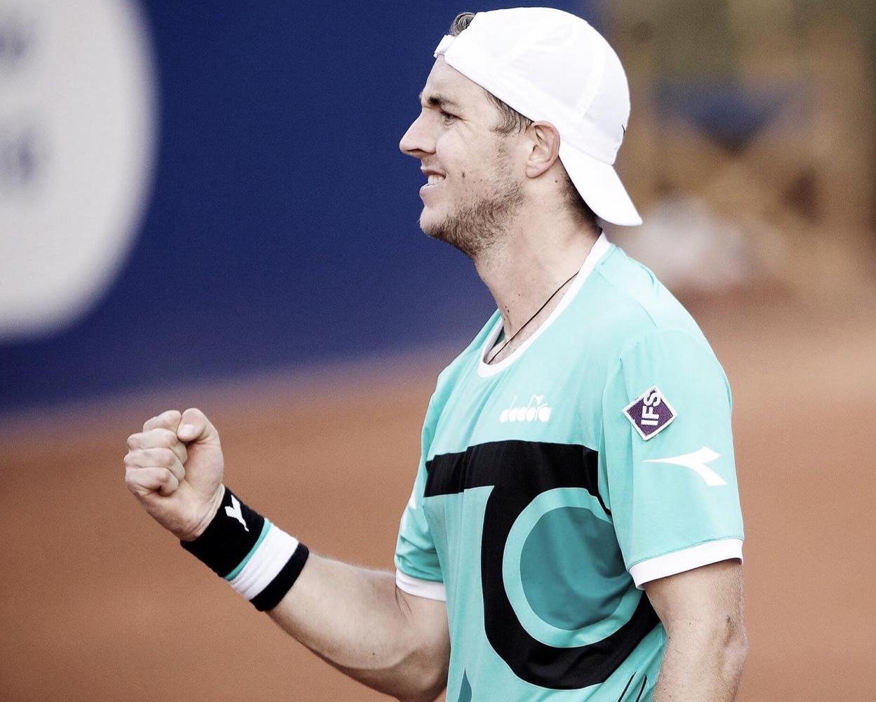 Struff surpreende Tsitsipas e marca encontro com Nadal nas quartas do ATP 500 de Barcelona