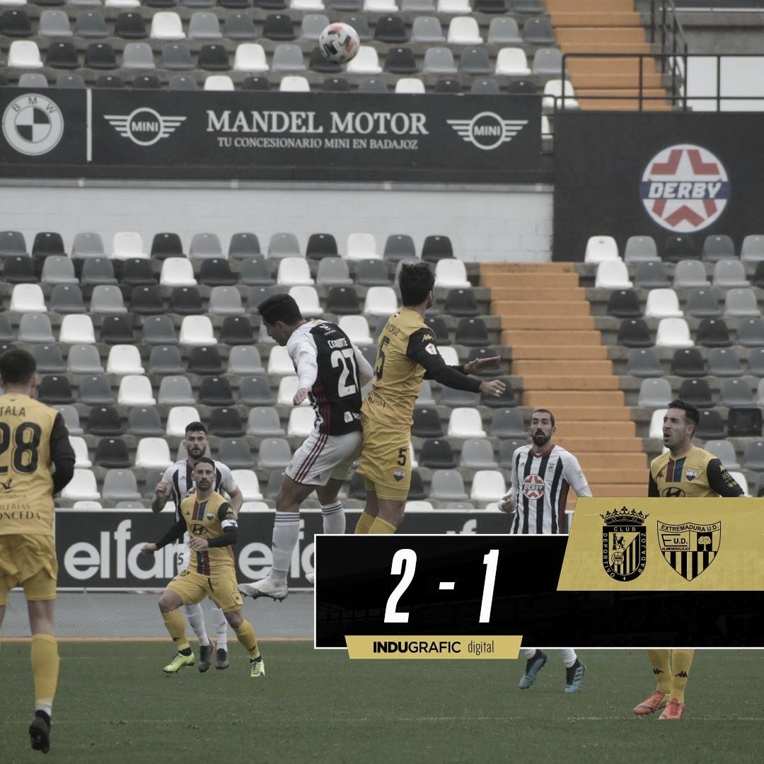 El CD Badajoz gana al son de Clemente