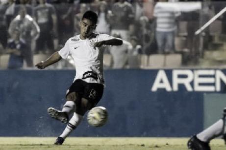 Em busca da semifinal, Corinthians e Grêmio se enfrentam na Copinha