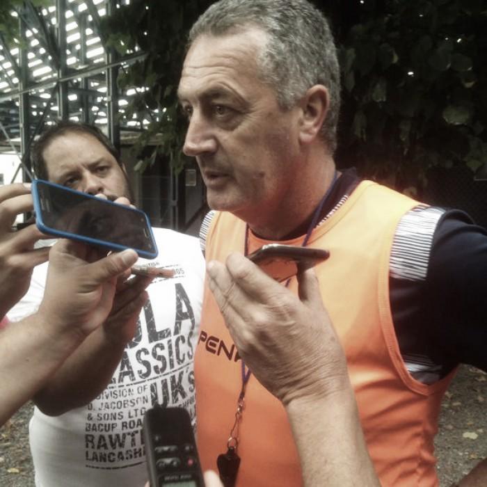 """Gustavo Alfaro: """"Me falta definir la mitad de la cancha"""""""
