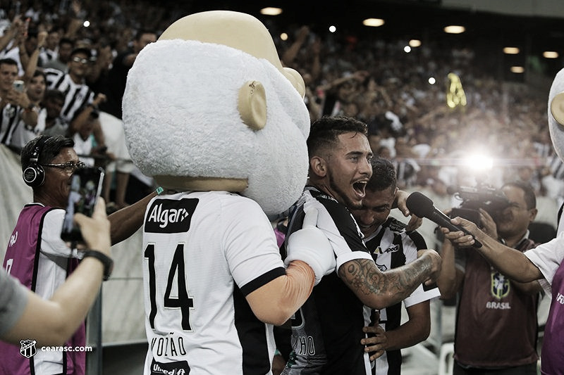 Ceará vence o Atlético-MG e se distancia da zona de rebaixamento