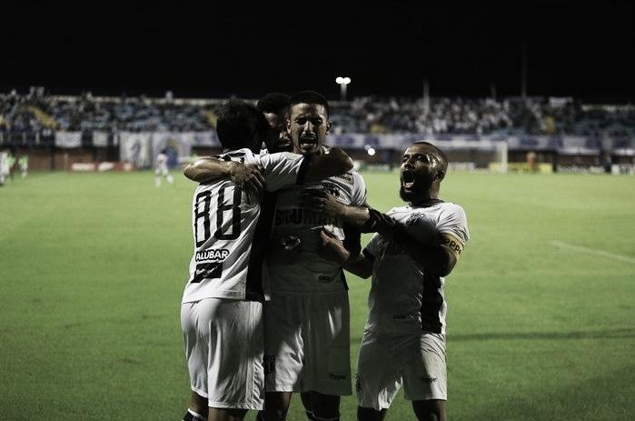 Com dois gols de Thiago Galhardo, Ceará vence Avaí na Ressacada