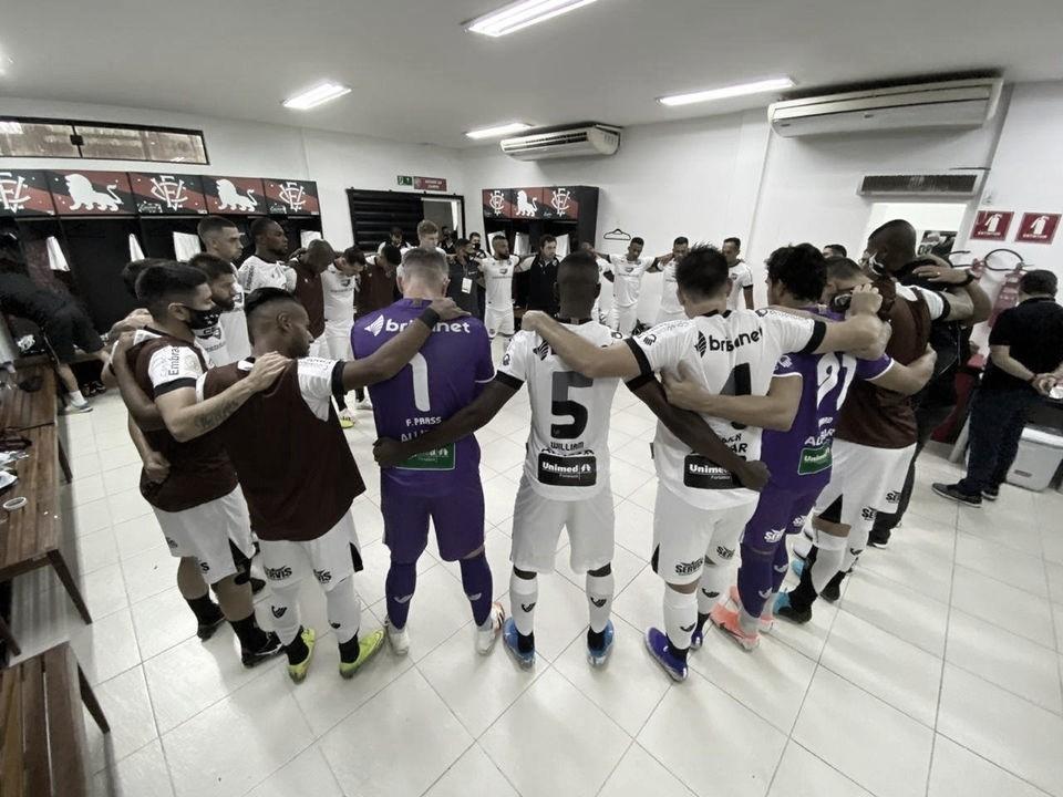 Em jogo de sete gols, Ceará elimina Vitória e avança na Copa do Brasil