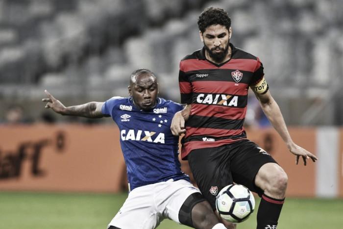 Em jogo morno, Cruzeiro e Vitória empatam no Mineirão