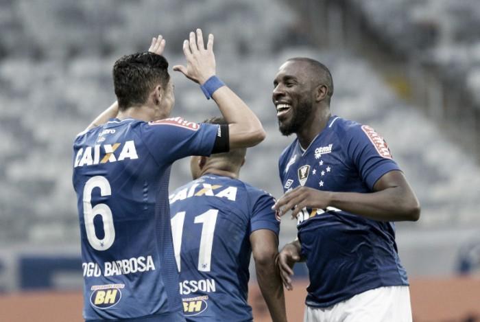 Com gol de Manoel, Cruzeiro vira sobre Ponte Preta no Mineirão